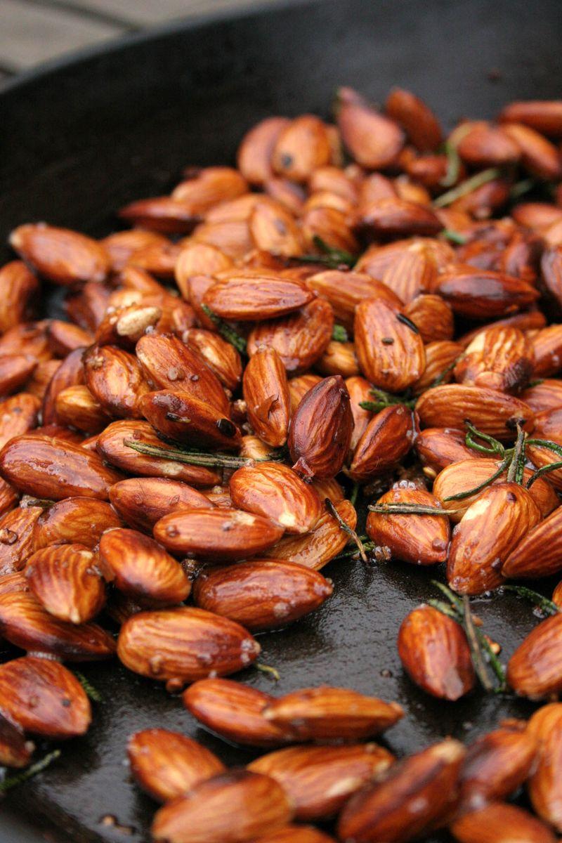 Garlic rosemary chilli almonds2