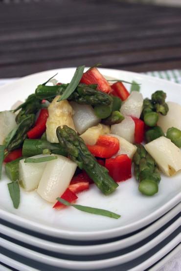 Greenwhiteasparagussalad